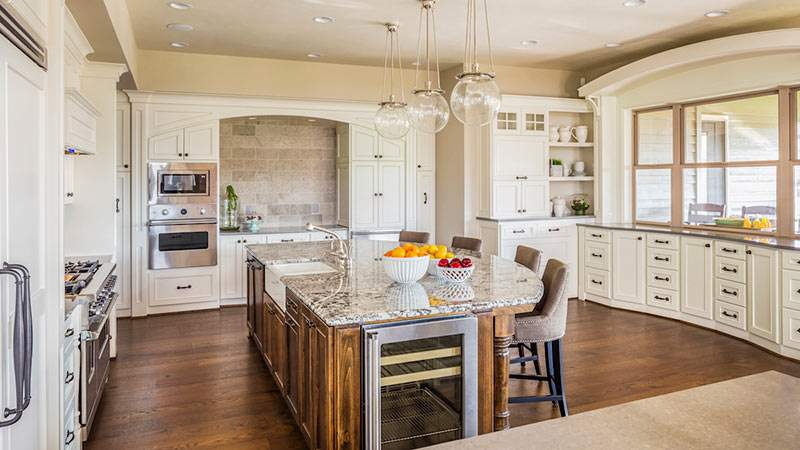 Single family kitchen design trends for model homes for Model home kitchens